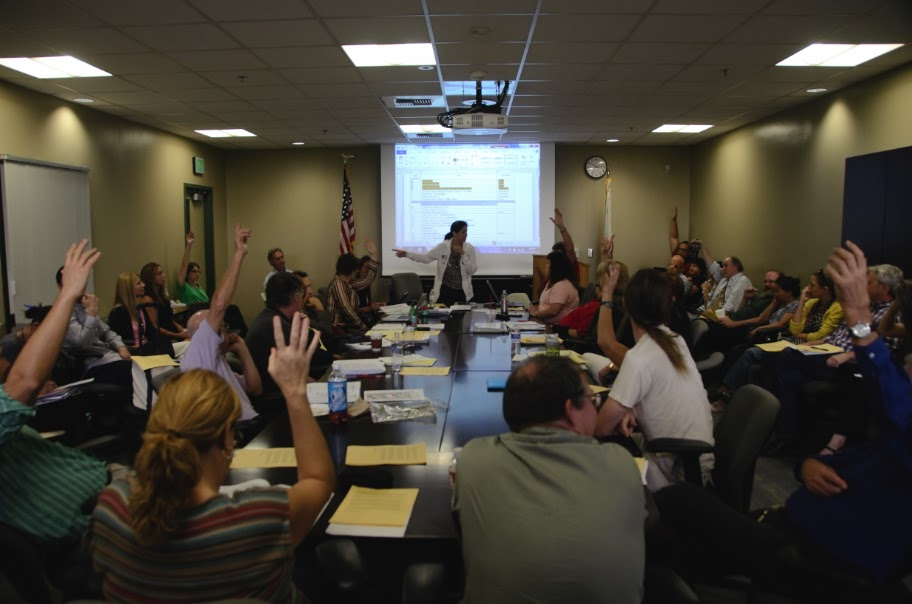 Academic Senate discusses issue with accreditation commission