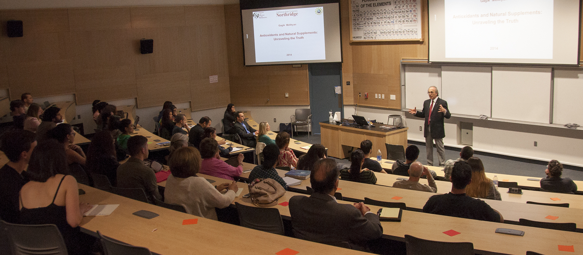 Chemistry professor gives lecture on the dangers of antioxidants