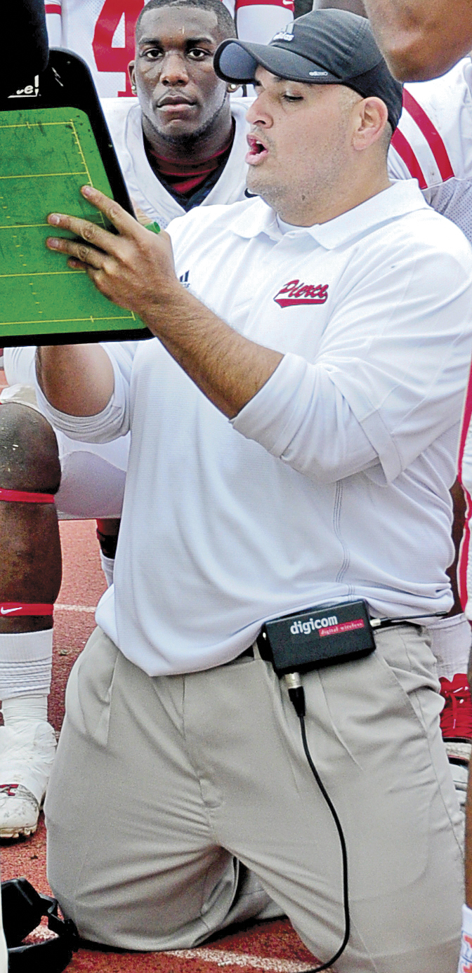 Defensive coordinator accepts head coaching job at Valley College