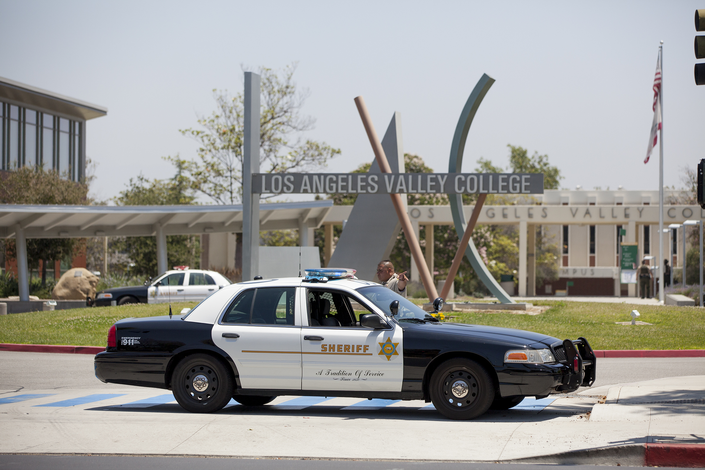 Los Angeles Valley College on lockdown due to possible active shooter