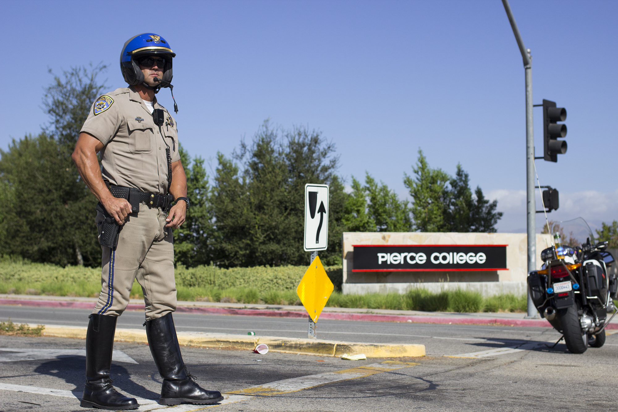 PHOTO SLIDESHOW: Campus locked down due to possible threat
