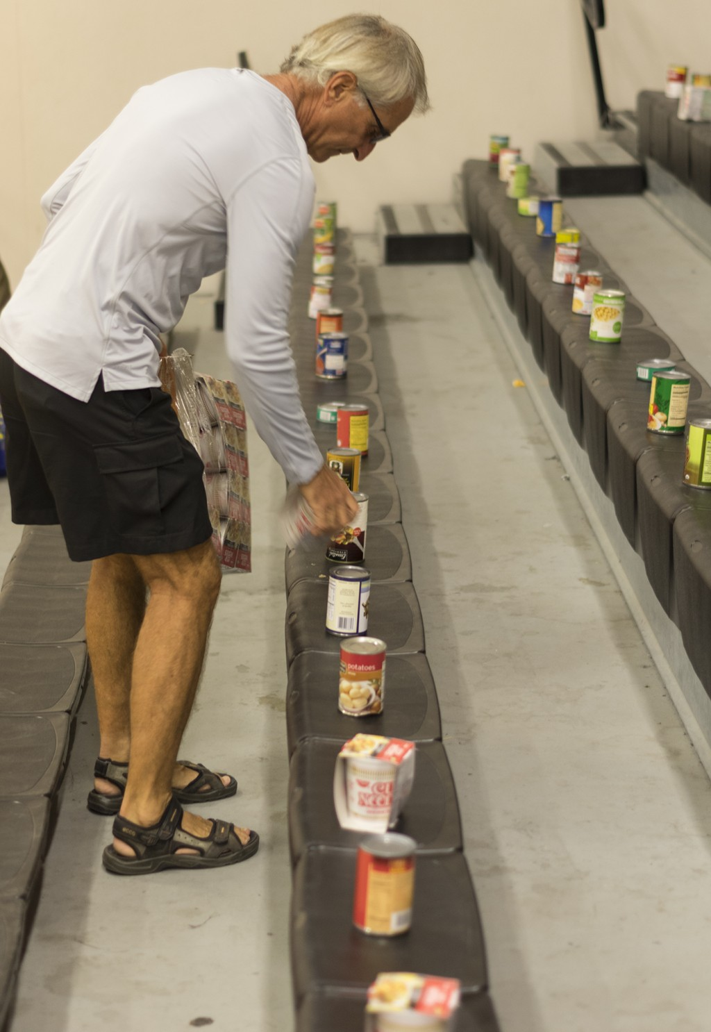 Athletic Department hosts food drive for M.E.N.D.