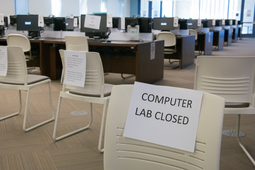 The computer lab in the Library / Learning Center is closed from Nov. 7 - 9 while the Information Technology department removes a virus from the machines at Pierce College in Woodland Hills, California. Photo: Seth Perlstein
