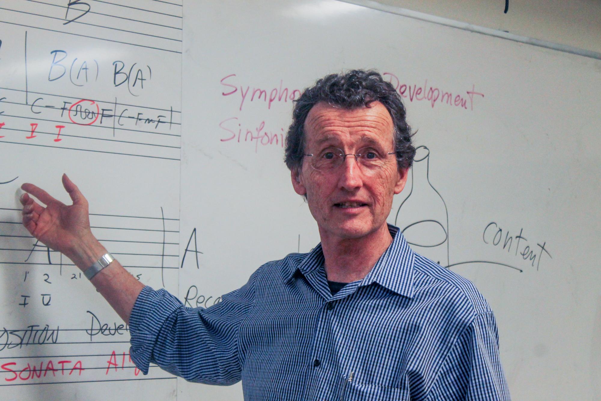 Classical guitar teacher is also a Grammy Award winner