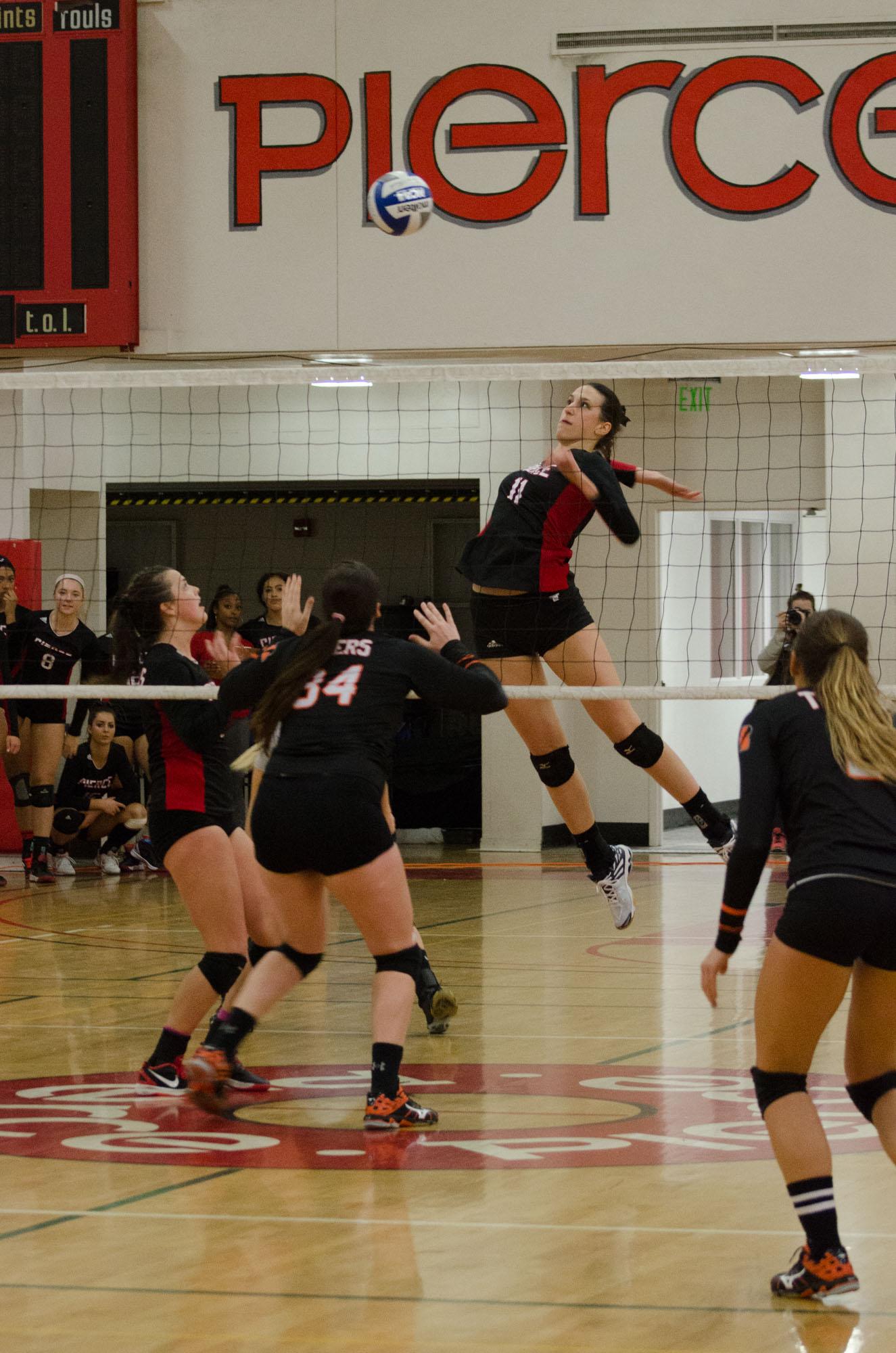 Pierce Volleyball advances to quarterfinals