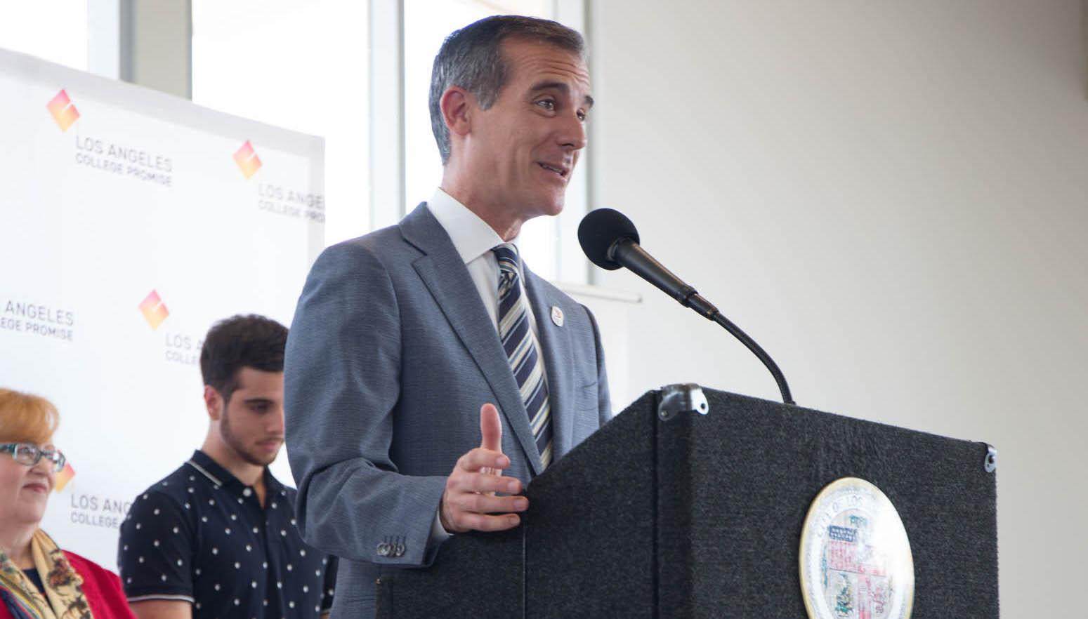 Mayor Garcetti addresses Promise students