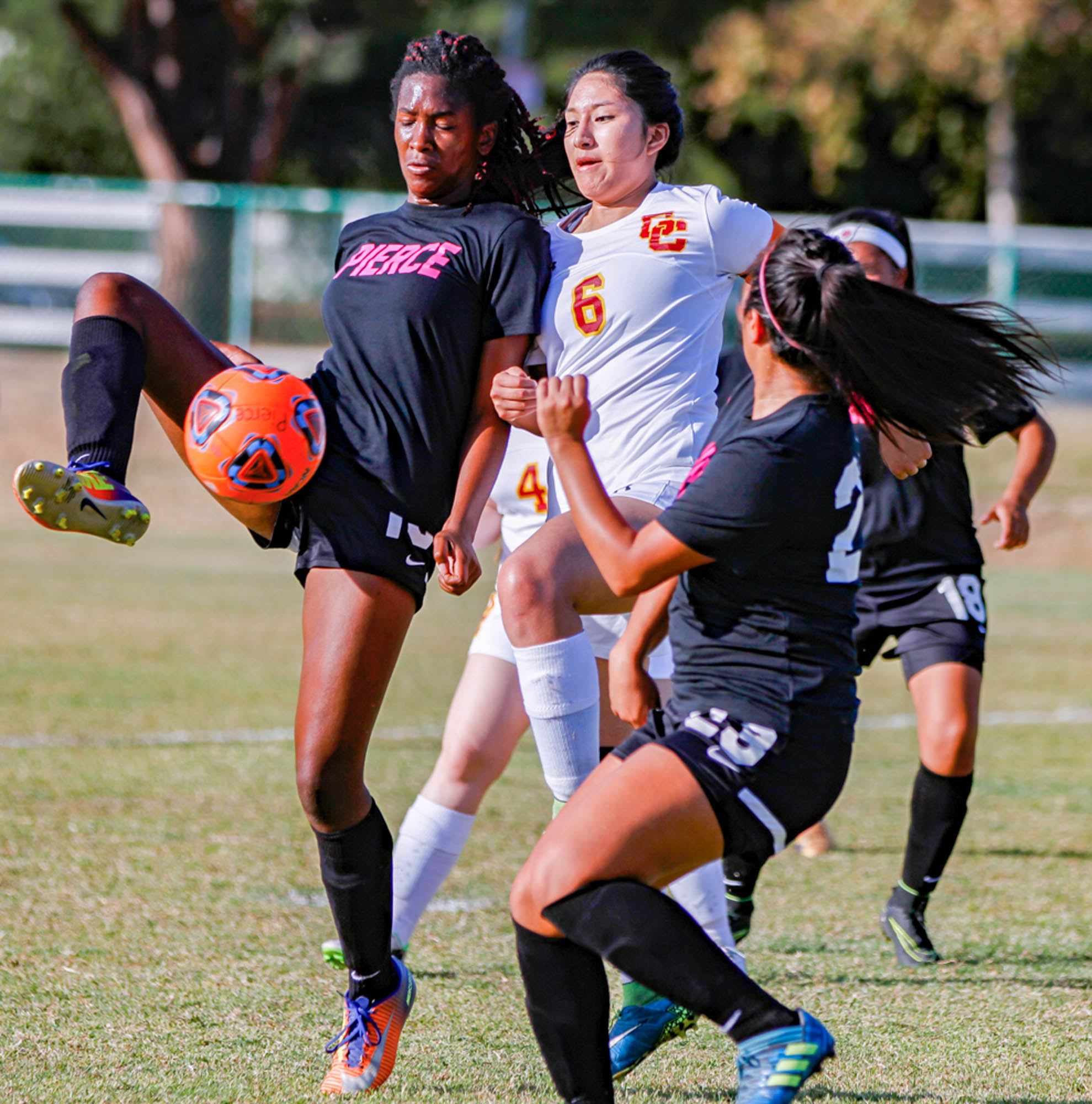 Soccer put eight past Glendale College