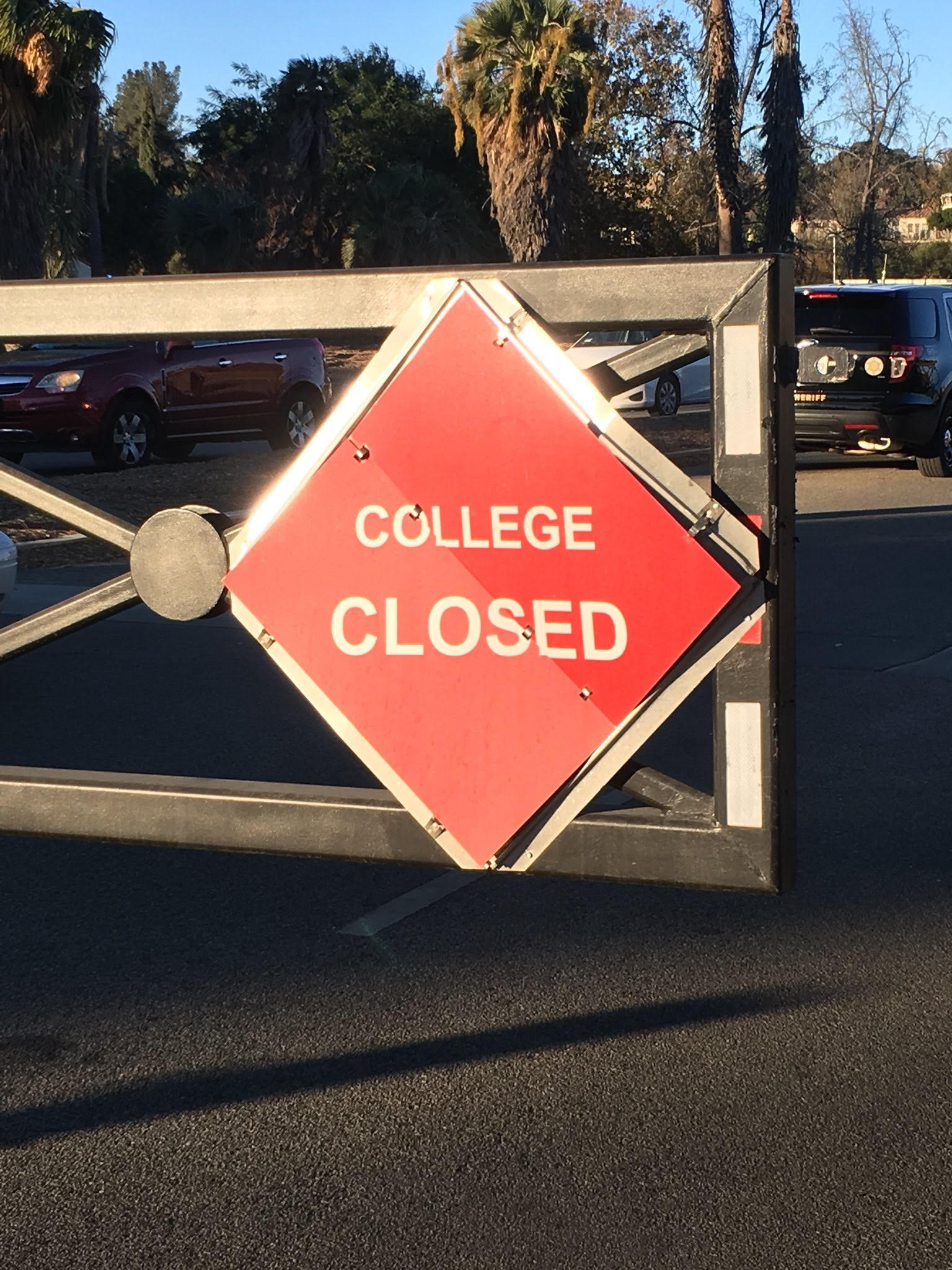 Campus closed due to air quality