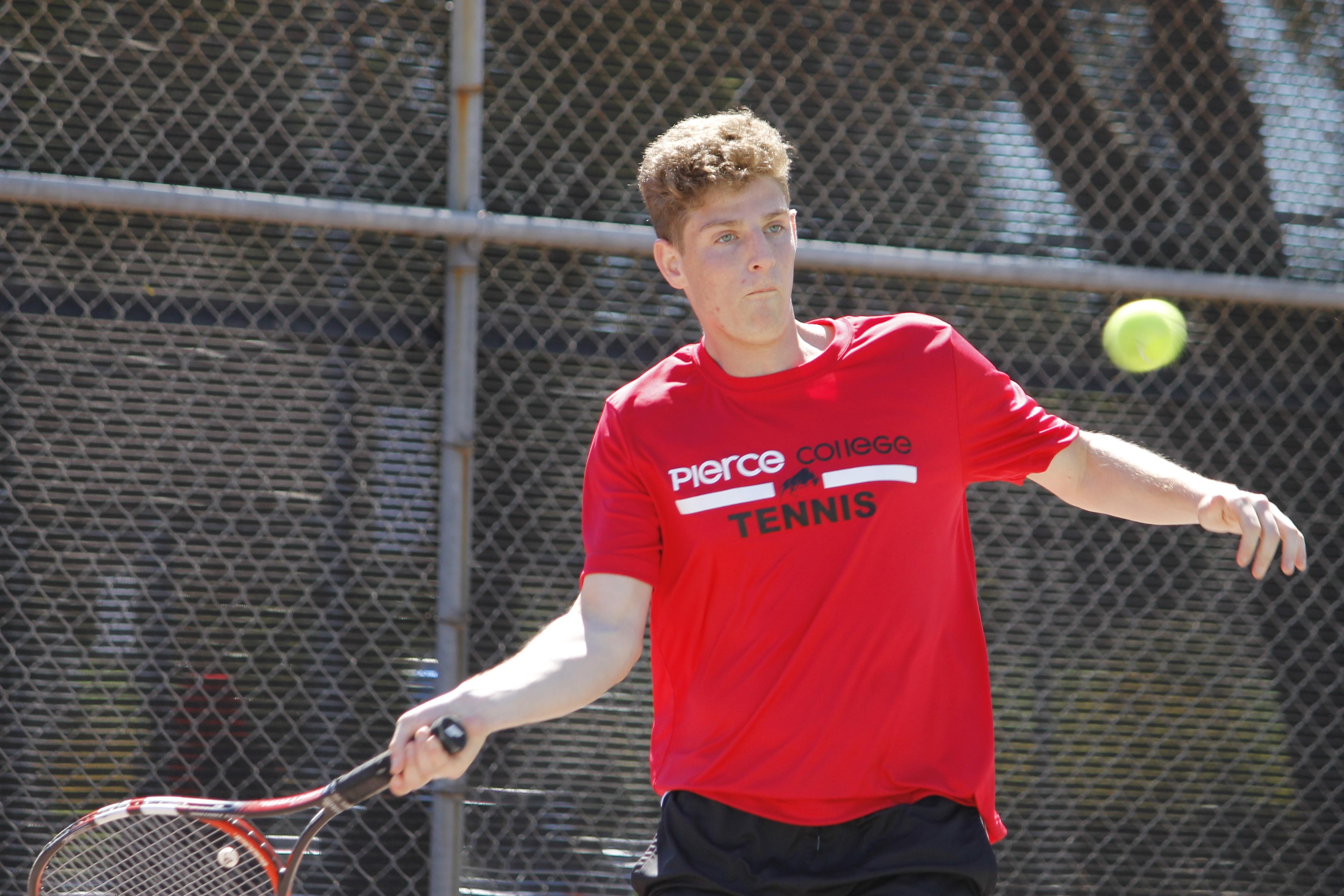 Tennis makes it to WSC tournament