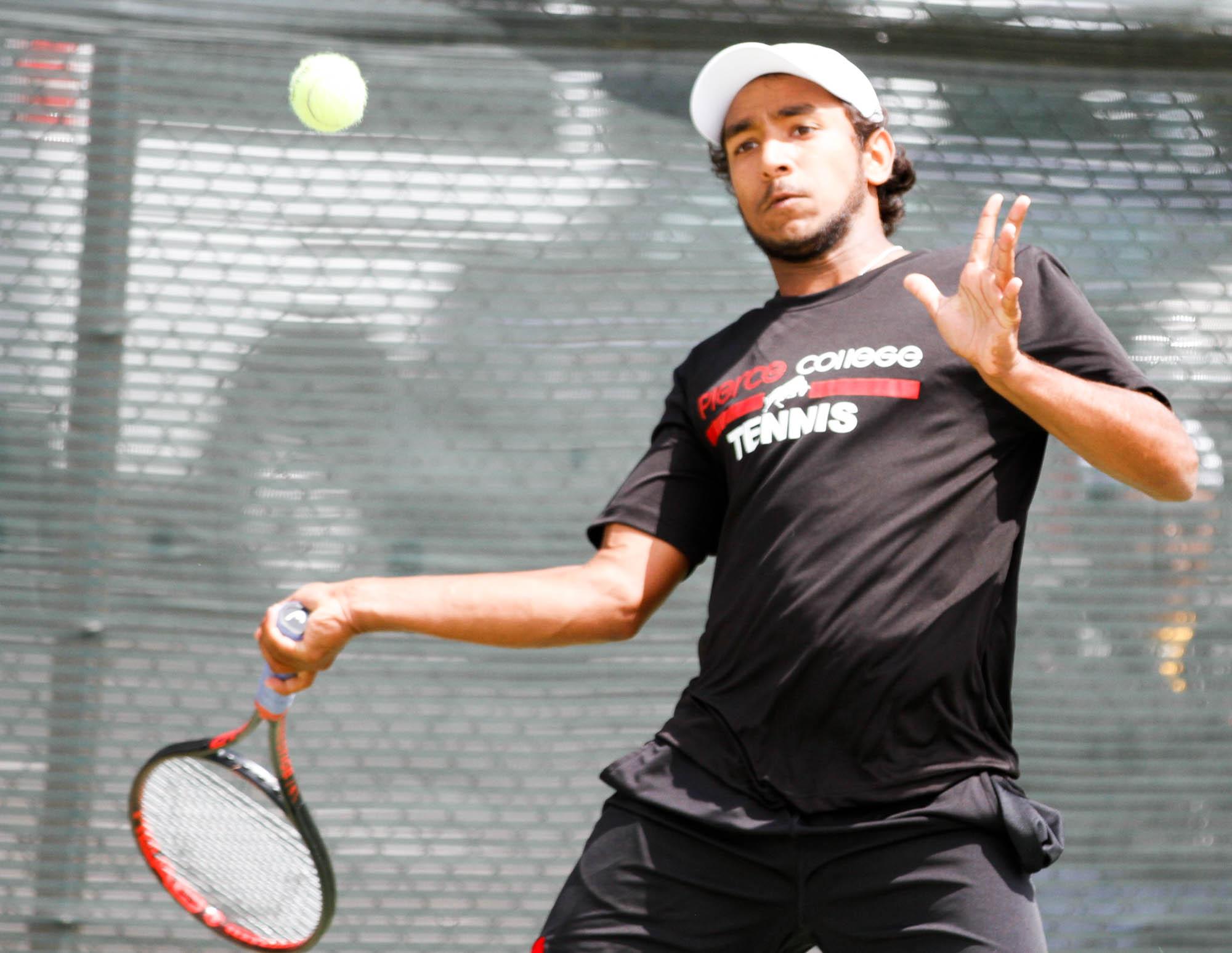 BRIEF: Tennis; Ojai Tournament day 1