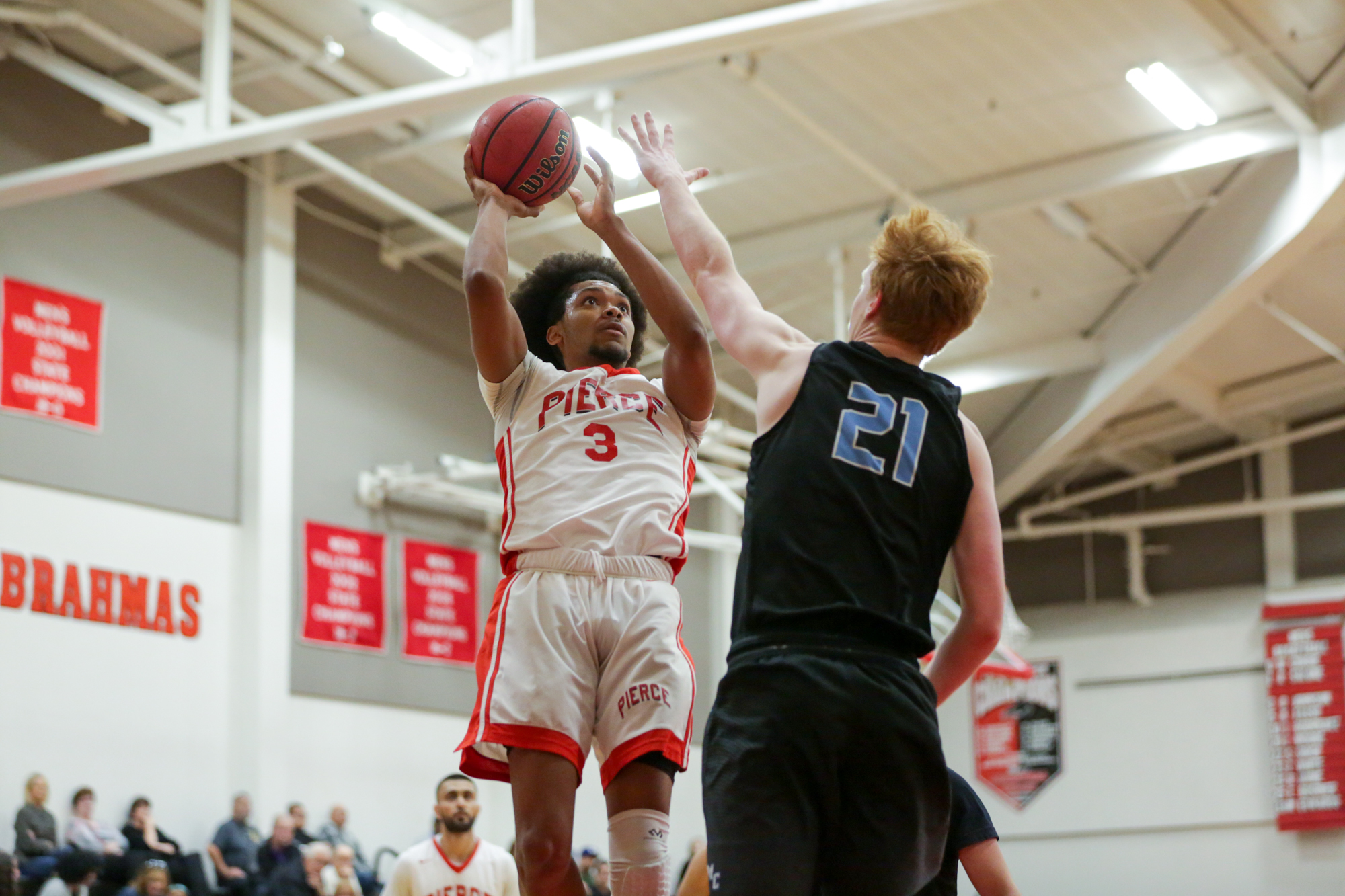 BRIEF: Men's basketball open conference play with a win