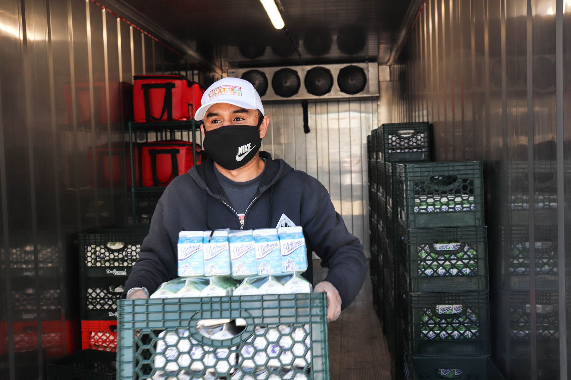 LAUSD expands food distribution