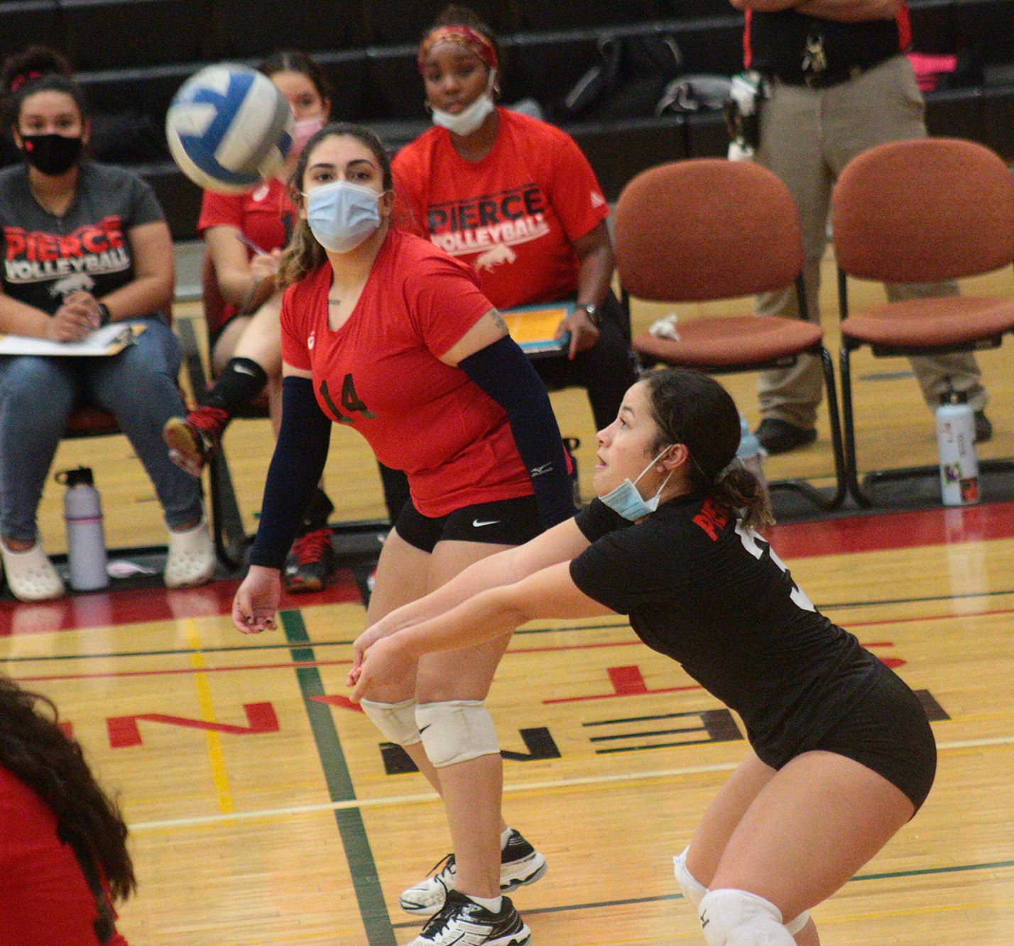 Women's volleyball lose third straight game